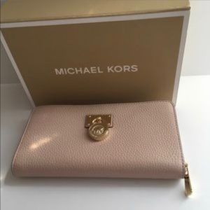 Michael Kors  Hamilton wallet color Ballet